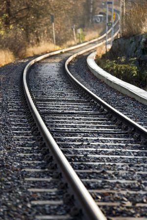 Railroad_tracks.resize